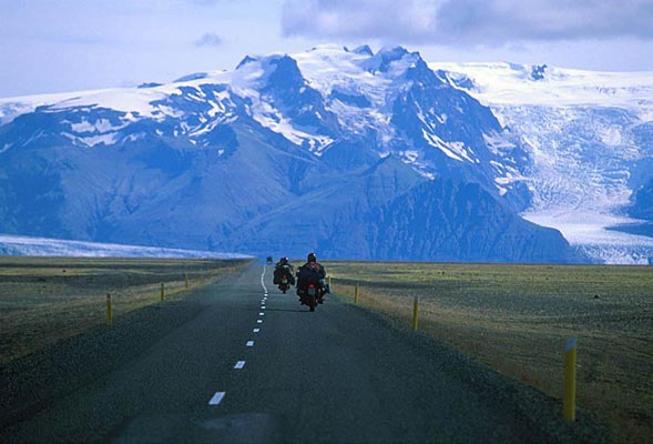 Motorbiking towards Vatnajökull, Island
