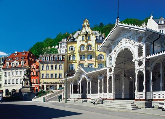 The spa town of Karlovy Vary \'the Trzni\' Colonnade, West Bohemia, Tschechien